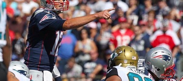 Tom Brady joins the 400 passing touchdowns club