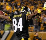 122115-nfl-antonio-brown-pi-mp-vresize-1200-675-high-11