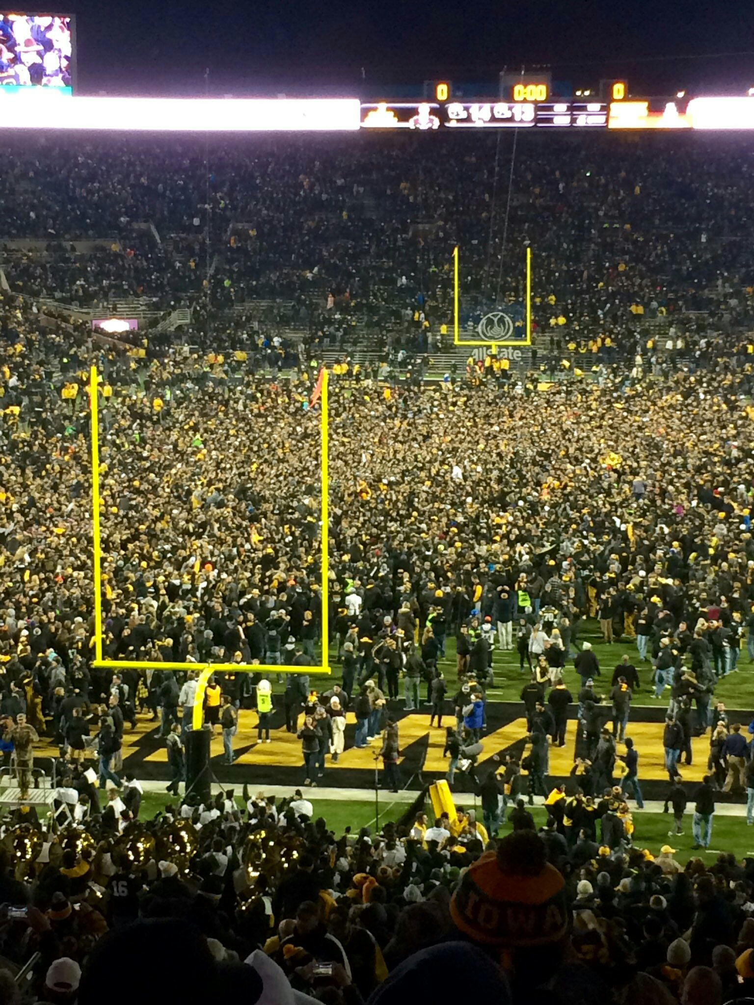 Video Iowa Beats 3 Michigan 14 13 On Late Field Goal The Front Office News