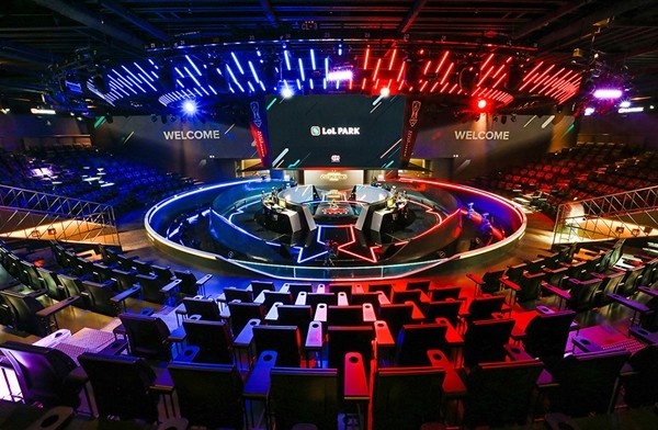 Starting Anew: Competitive League of Legends Returns with